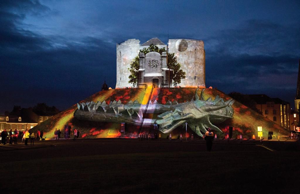 #13_6_LSN_Installation_Projection Studio Triquetra Illuminating York 2013 02 world serpent_4