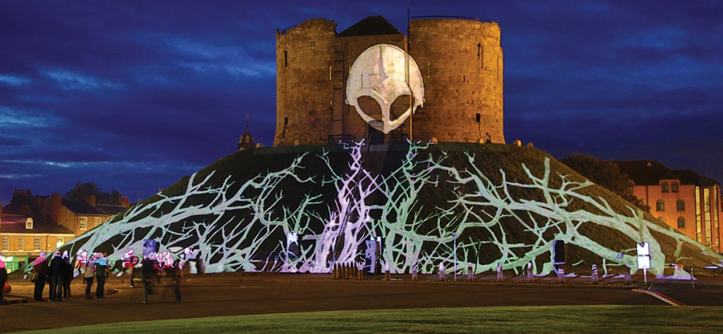 #13_6_LSN_Installation_Projection Studio Triquetra Illuminating York 2013 08 Death of a Warrior_1